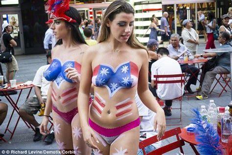nude photos of women in las vegas